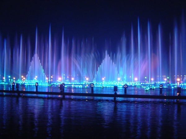 Guangzhou Fountain Company: Fountain designs are diverse and have different visual effects (Figure)
